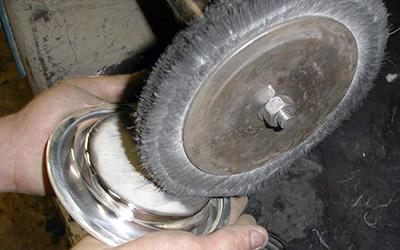 Avivage et polissage métal argenté après argenture