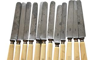 couteaux ancien lame acier taches rouille
