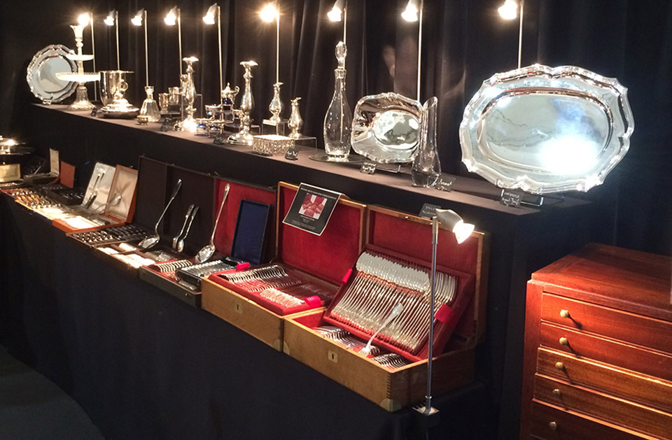 Salons des antiquaires antiquit s art de la table - Salon art de la table ...